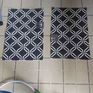 """NWT 2 , 20 x 30"""" accent rugs"""